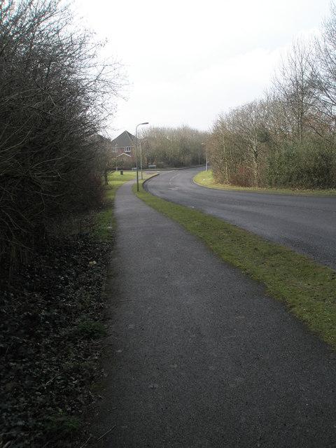 Looking along Fishlake Meadows to Robert Whitworth Close