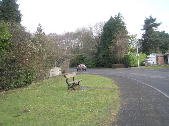 Seat by the Fishlake Roundabout