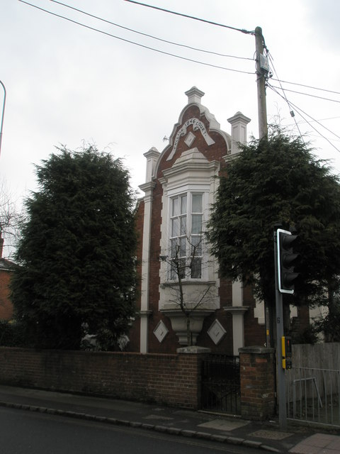 English Court in Romsey Road