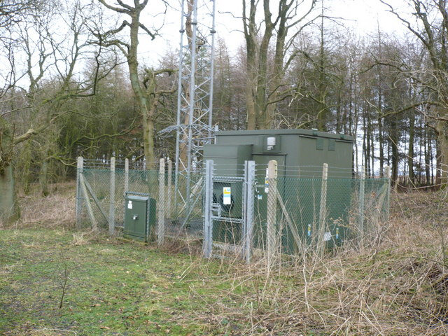 Cellphone mast and equipment cabin