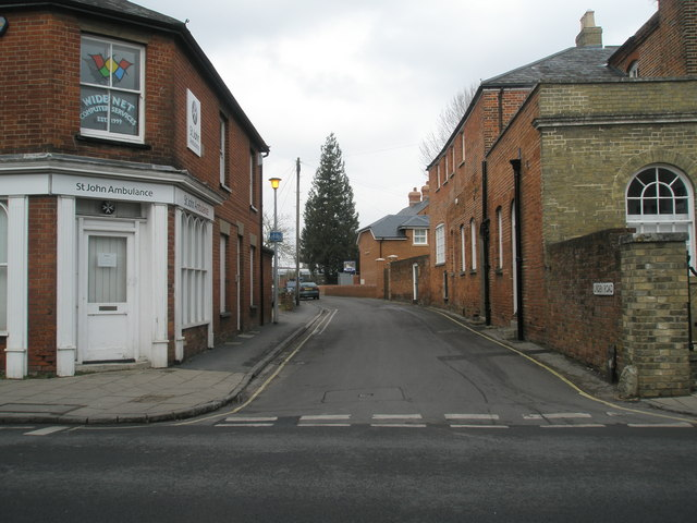 Looking from The Hundred into Linden Road