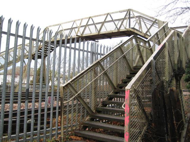 Ewell: Old Schools Lane footbridge