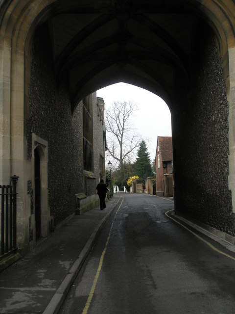 Arch through to The Abbey in Romsey town centre