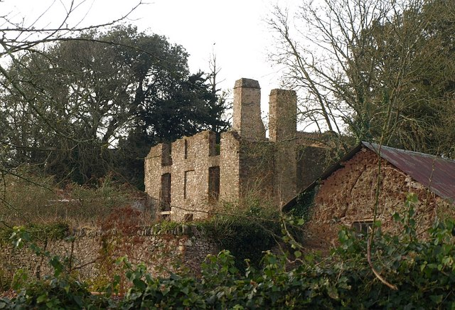 Waddeton Manor House ruin