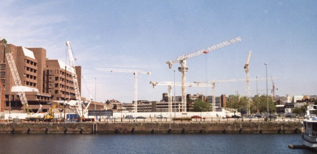 Tower cranes from Albert Dock, July 2005
