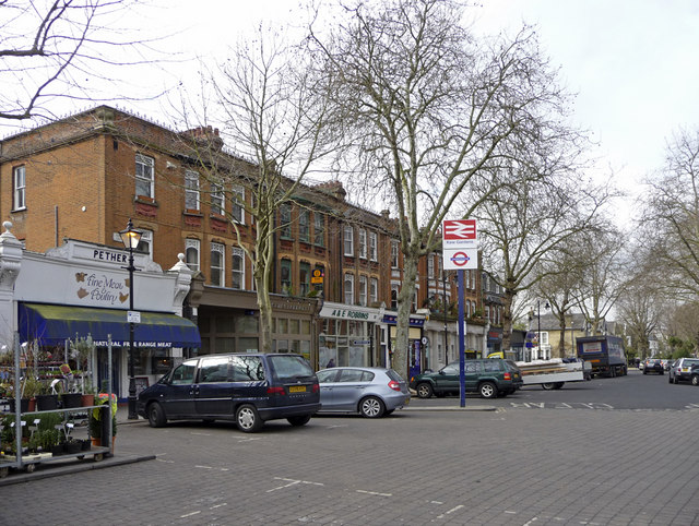 Parking area and shops, Kew Gardens Station