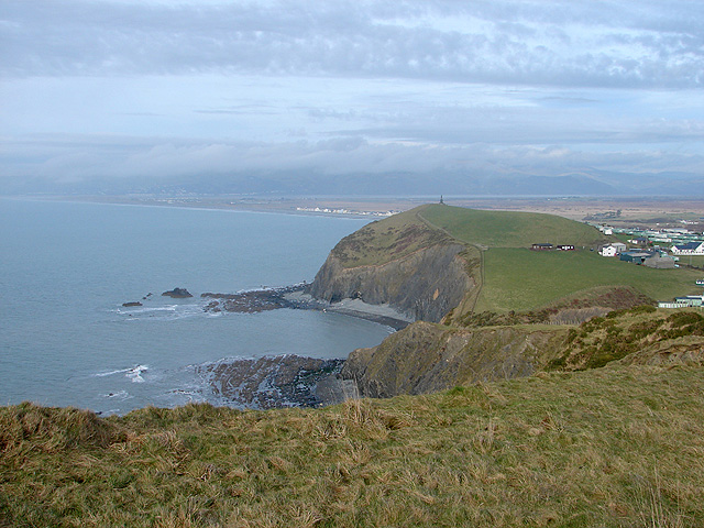A view from the cliff top, south of Borth