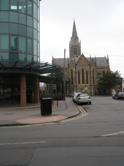 Holy Trinity Church as seen from the end of Temple Road