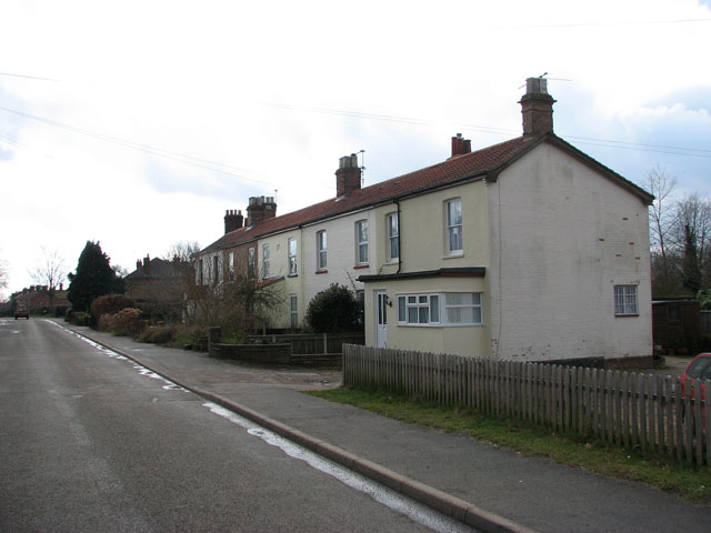 View south along Rectory Road