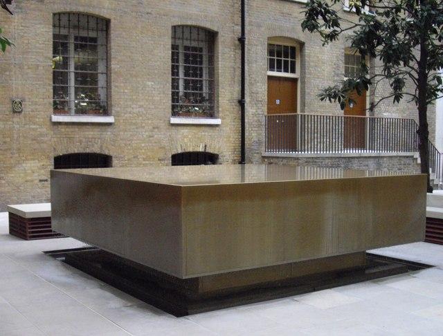 Fountain in Devonshire Square
