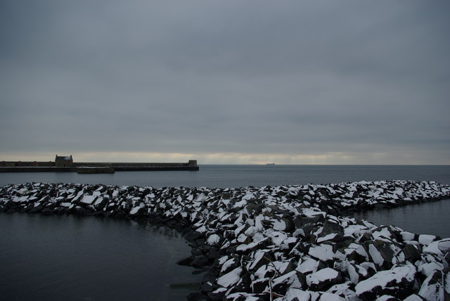 Saltcoats - new rock breakwater