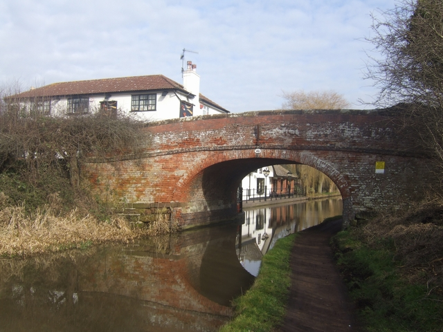 Worcester & Birmingham Canal - Bridge No 48