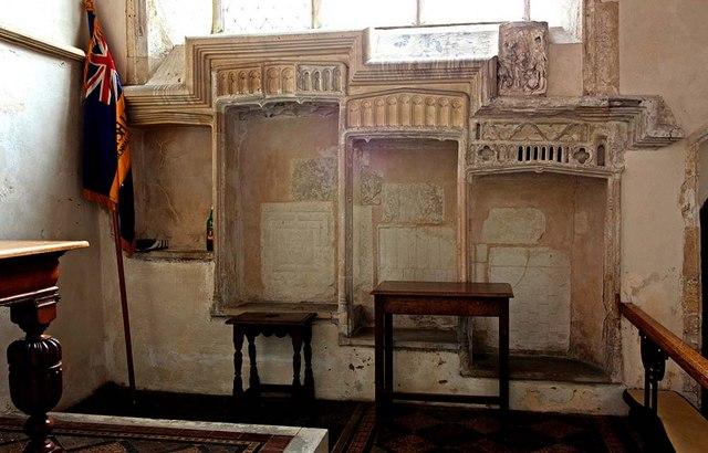 St Mary, Gressenhall, Norfolk - Piscina & sedilia