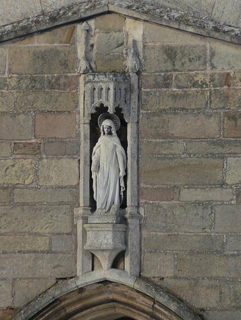Statuette, Kingston church