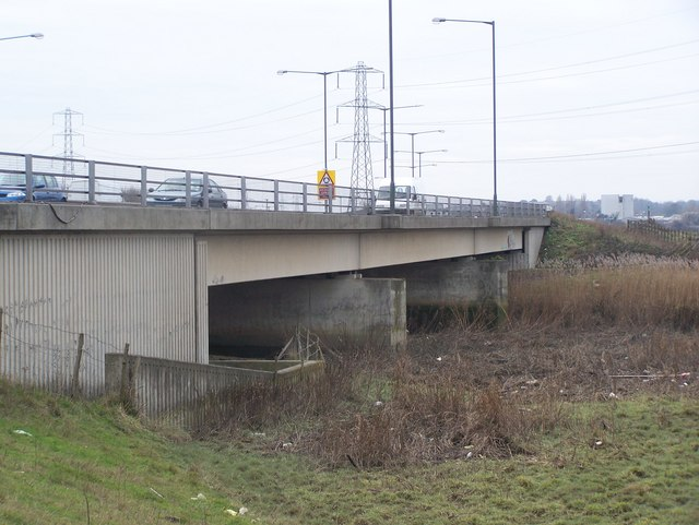 The A206 Bob Dunn Way goes over the River Darenth