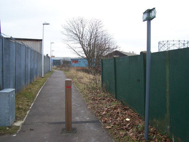 Darenth Valley Path heads into Dartford