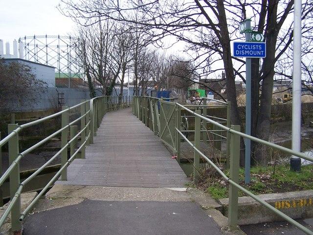 Footbridge over the River Darenth