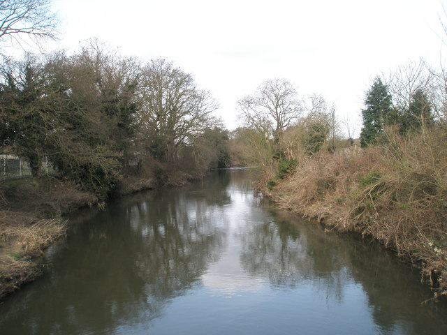 River Wey flowing northwards as seen from Wisley Lane