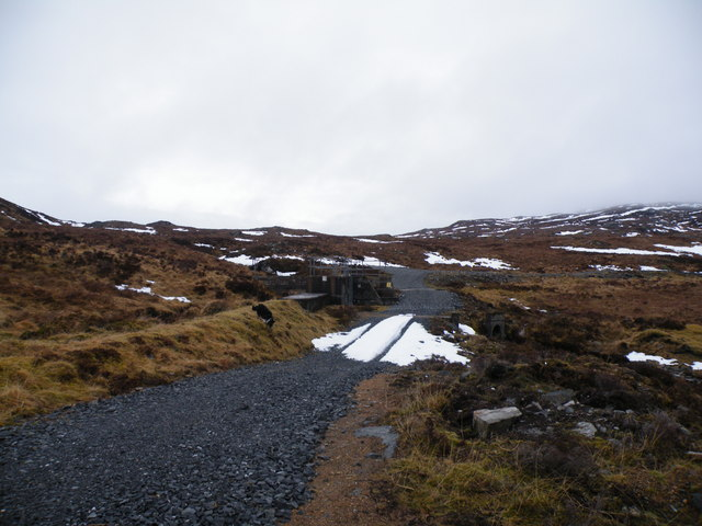 Dam on Loch an t-Sionnaich outlet Burn be side Track