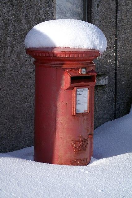 Snowy postbox, Baltasound