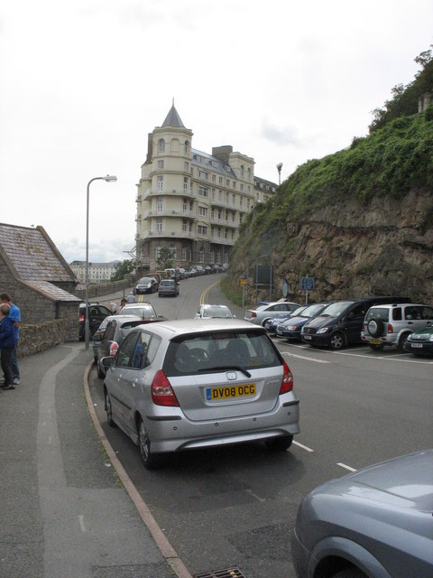 Approaching the Grand Hotel along Happy Valley Road
