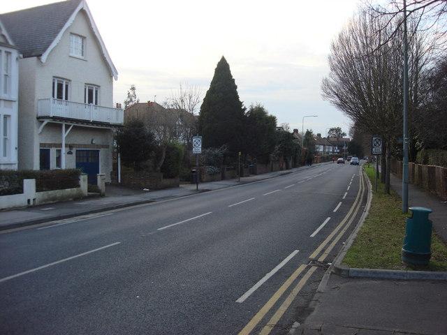 A3050, Hurst Road