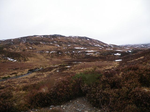 Looking across Allt Loch an t-Sionnaich