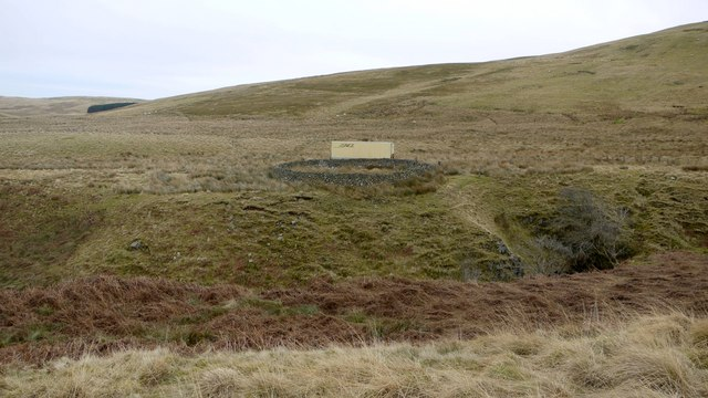 Sheepfold and container above Sting Burn