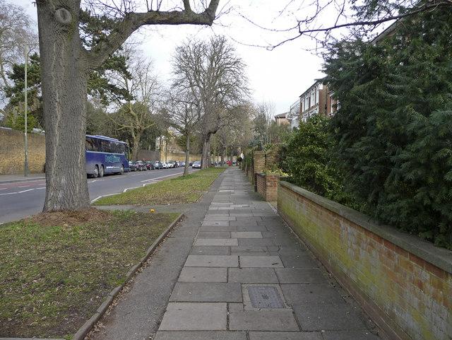 Kew Road, Kew