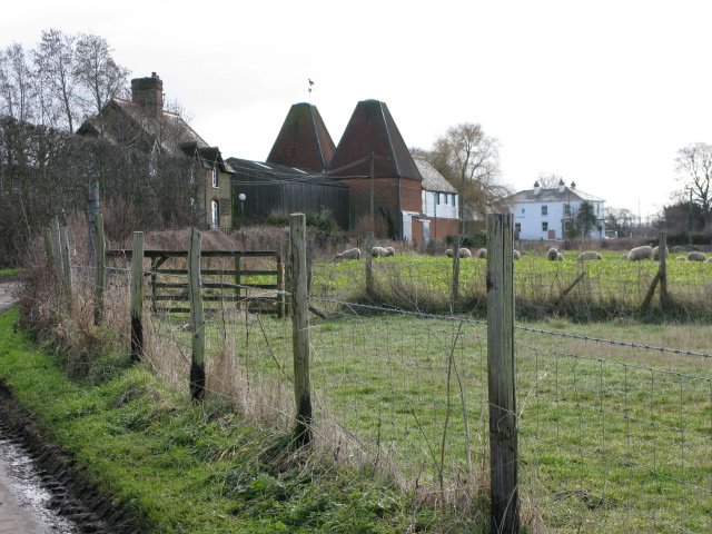 Oast Cottages at Hoaden Court