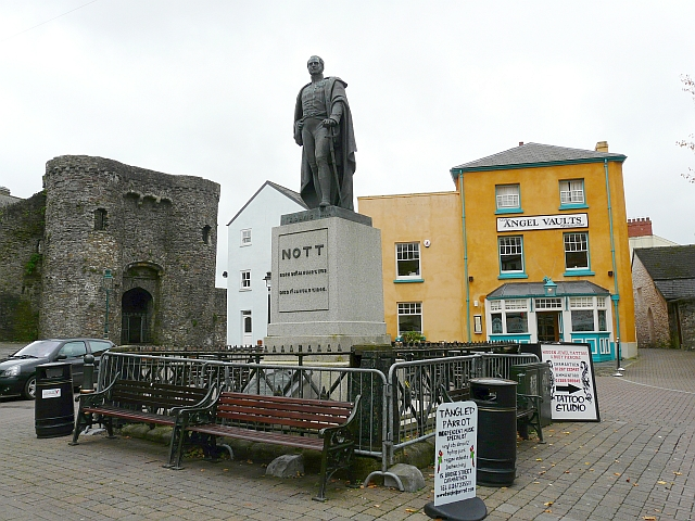 Nott Monument and Nott Square, Carmarthen