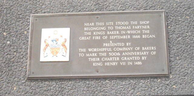 Plaque on building on corner of Monument Street and Pudding Lane