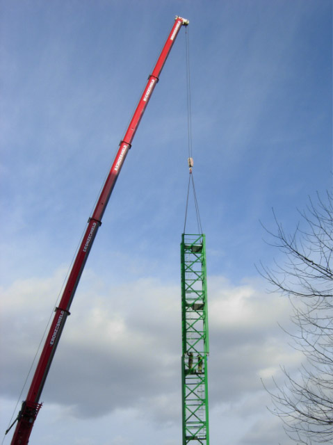 Constructing a tower crane