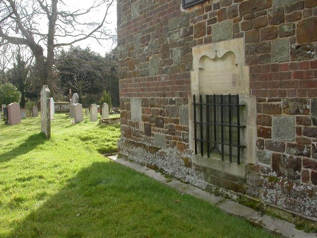 West Parley, urn