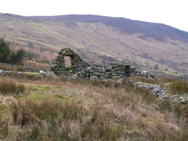 Ruin on Llechwedd Oernant