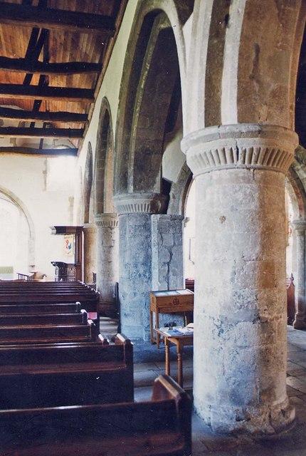 St Mary, Carisbrooke - Arcade