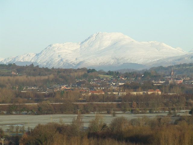 Ben Lomond and the vale from Dalreoch