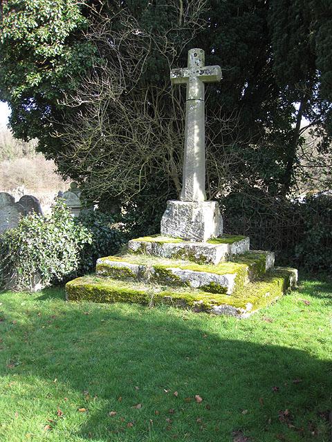 Churchyard cross, St. Dingat's