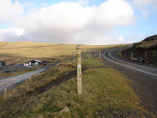 Track junction north of Y Drum