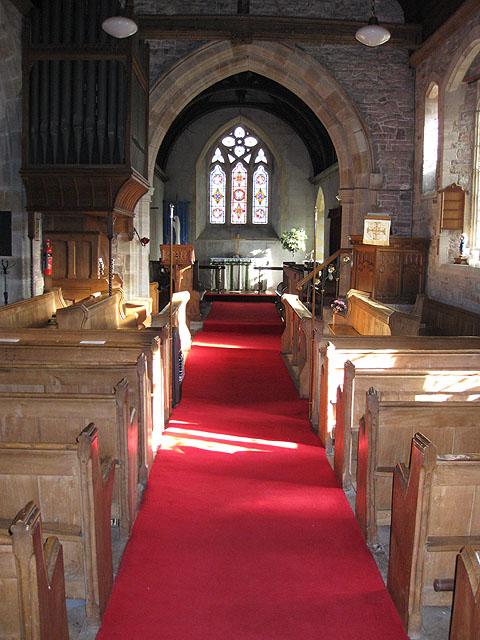 Nave and chancel, St. Dingat's