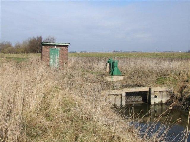 Small Pump Near Staffurths Bridge
