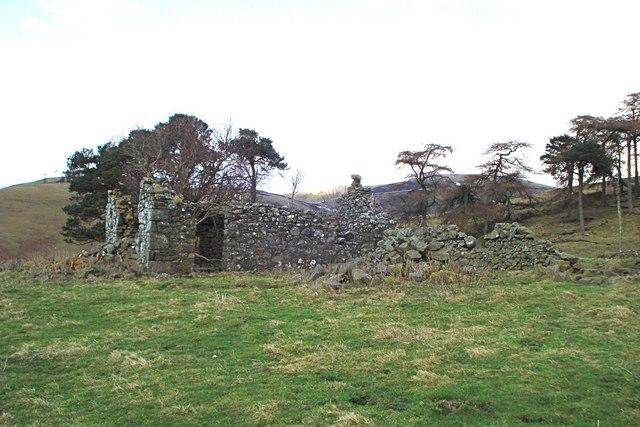 Ruined hut on Greenfieldknowe