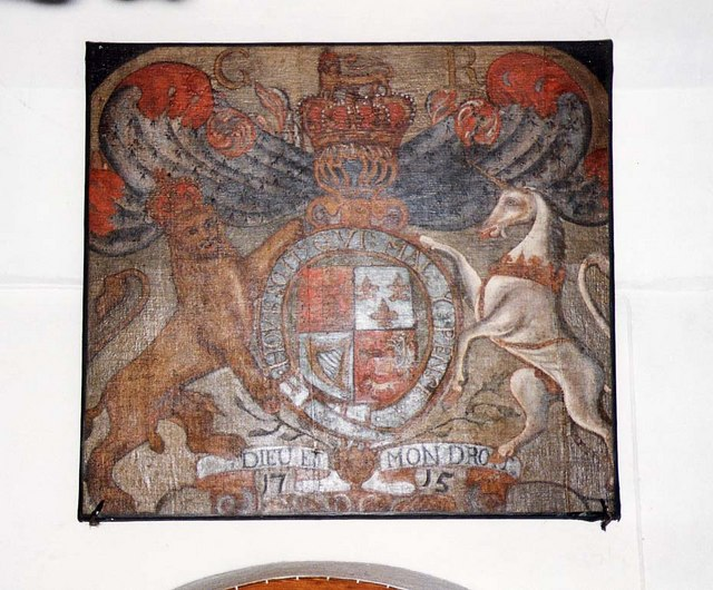 St James, Yarmouth - Royal Arms