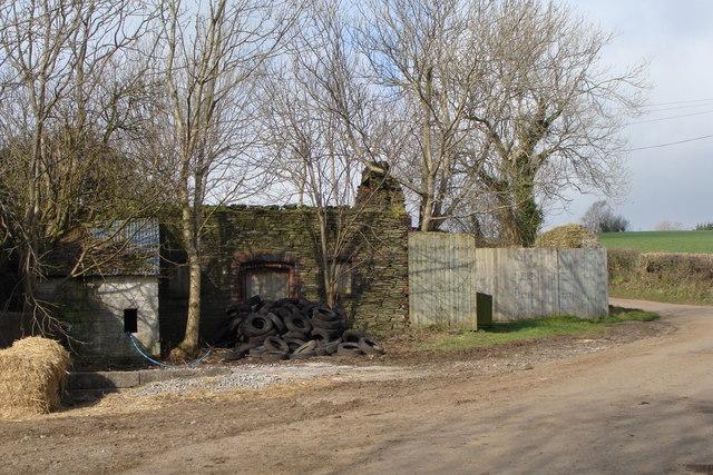 Outbuildings, Cilddewi Uchaf