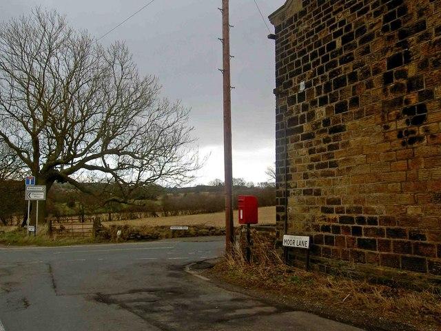 Moor Lane postbox, near Kirkburton