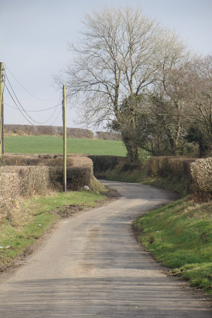 The road towards Llwyn-teg