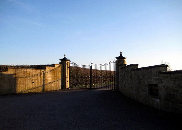Gateway to Britton House Stud