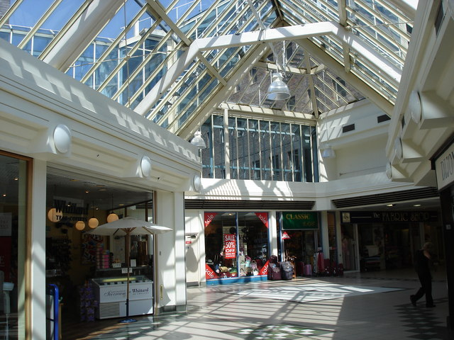 Horsham - interior of Swan Walk shopping centre