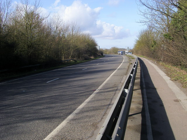London Road (A40)