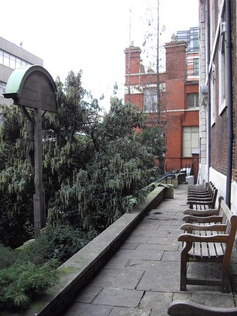 Benches facing Queen Victoria Street